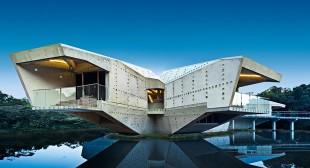 Step inside Charles Wright Architects' Australian rainforest eco-home